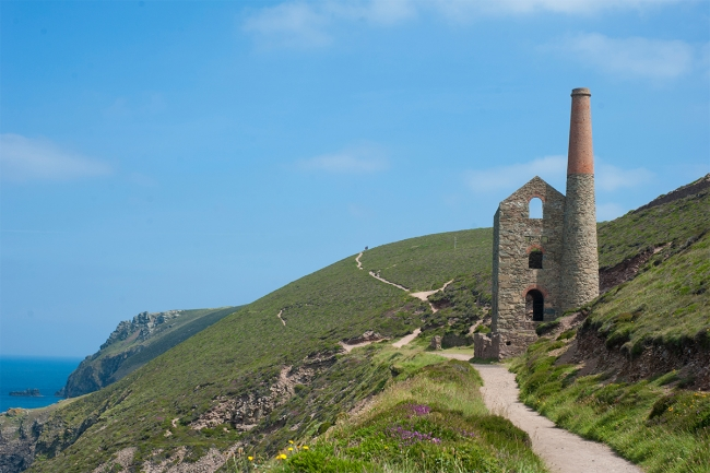 Cornwall-coast-path-Wheal-Coates-tin-mine